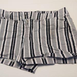 Old Navy Pixie Short Black and White Stripes